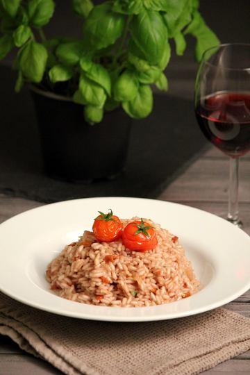 Rezept Rotwein-Risotto mit getrockneten Tomaten (Vegan)