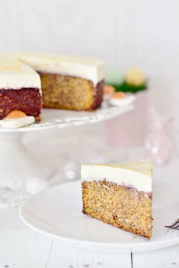 Rezept Rüblitorte mit feiner Eierlikör-Schmand-Creme zu Ostern