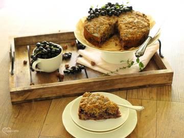 Rezept Rustikaler Johannisbeer-Haselnuss-Streuselkuchen