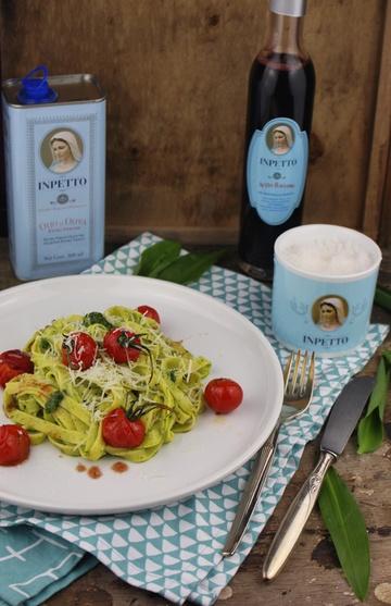 Rezept Safranpasta mit Bärlauch-Kürbiskern-Pesto