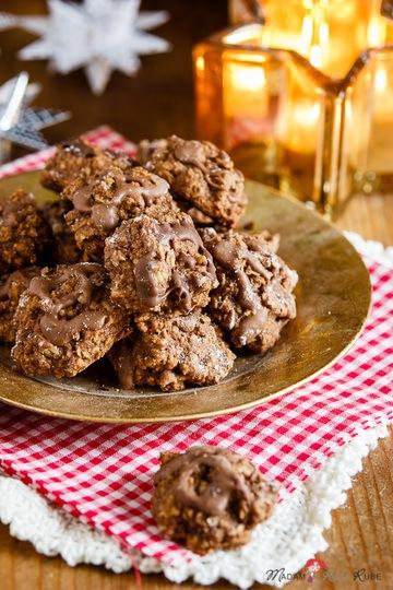 Rezept Saftige Haferflockenmakronen mit Schokoladenhäubchen