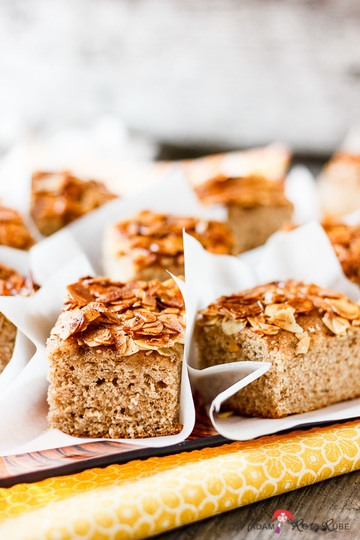 Rezept Saftiger Butter-Vollkorn-Hefekuchen mit Mandeln