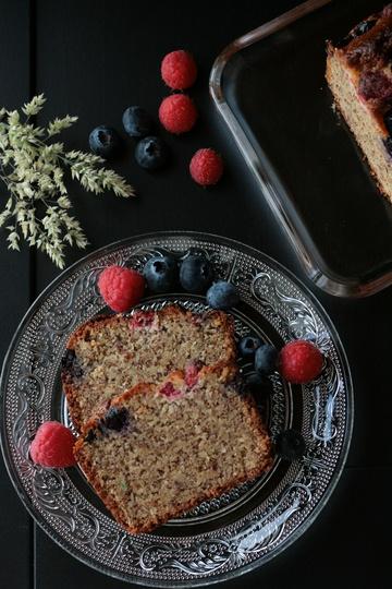 Rezept Saftiger Mandelkuchen mit Beeren