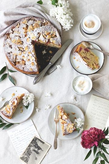 Rezept Saftiger Rhabarberkuchen mit Mandeln und Orange