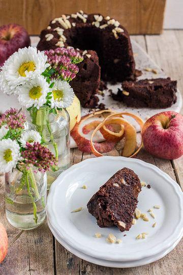 Rezept Saftiger Schokoladen-Apfel-Gugelhupf