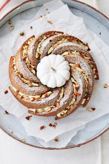 Rezept Saftiger, würziger Kürbiskuchen - ganz große Herbstliebe!