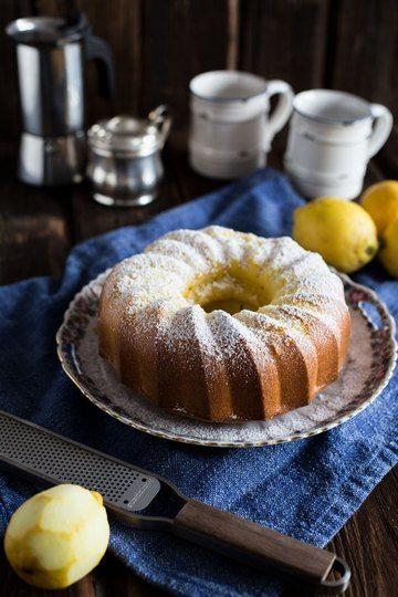 Rezept Saftiger Zitronenkuchen Rezept als Gugelhupf