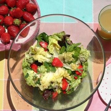 Rezept Salat mit Erdbeeren und Minze