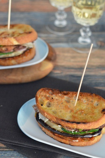 Rezept Sandwich mit Entrecote, Grillgemüse und Parmesan