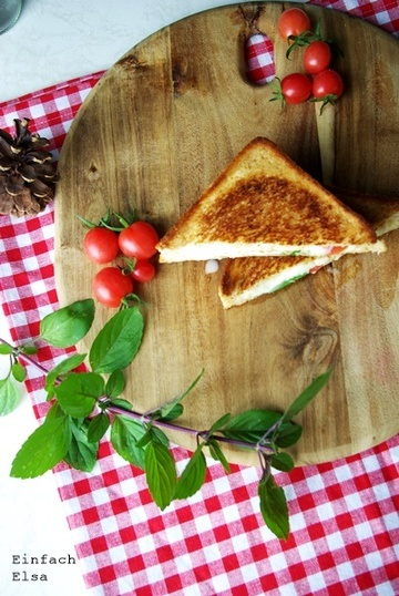 Rezept Sandwiches mit Tomate-Mozzarella