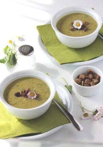 Rezept Sauerampfersuppe mit Knoblauchcroûtons