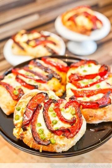 Rezept Sauerteig-Pizzette mit Paprika und Erbsen