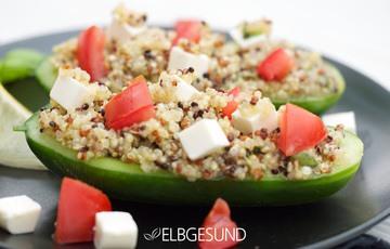"""Rezept Schatzsuche beendet, das """"Gold der Inka"""" hat sich im Gemüse versteckt – Gurke mit Quinoa-Tomaten-Feta-Füllung"""