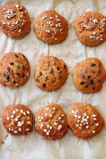 Rezept Schnelle Dinkel-Skyr-Brötchen ohne Hefe (in 30 Minuten auf dem Tisch)