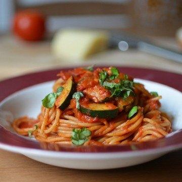 Rezept Schnelle Spaghetti mit Tomaten-Zucchini-Sauce