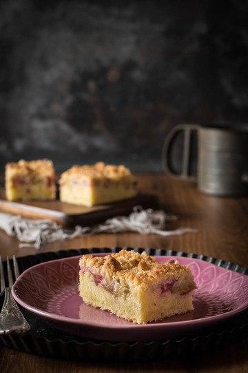 Rezept Schneller Rhabarberkuchen mit Vanillestreuseln