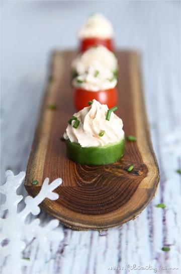 Rezept Schnelles Fingerfood: Gemüse mit Frischkäse-Topping