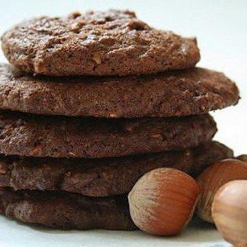 Rezept Schoko-Cookies mit Haselnüssen