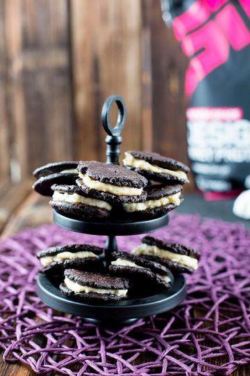 Rezept Schoko Eiweiß Kekse Rezept mit cremiger Candy Caramel Füllung