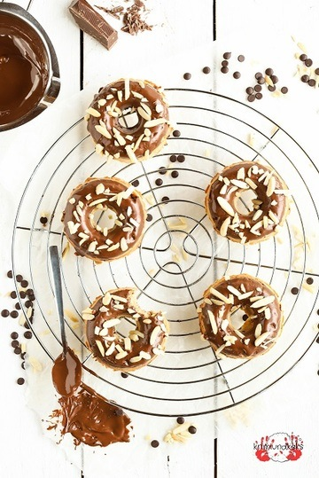 Rezept Schoko-Mandel-Donuts aus dem Ofen