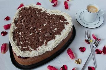 Rezept Schokolade-Preiselbeer-Torte