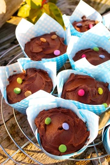 Rezept Schokoladen-Cupcakes mit Espresso-Frosting