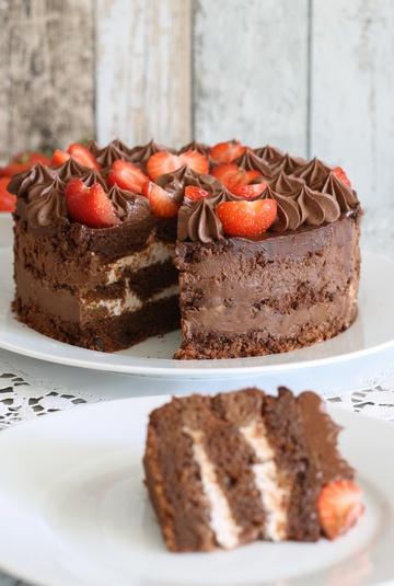 Rezept Schokoladentorte mit Erdbeerquark