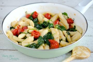 Rezept Schupfnudeln mit Spinat und Tomaten