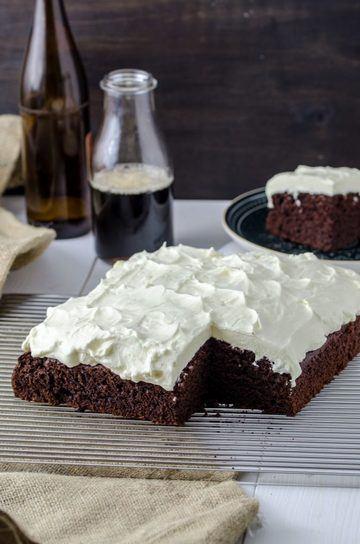 Rezept Schwarzbier-Kuchen mit Frischkäse-Topping