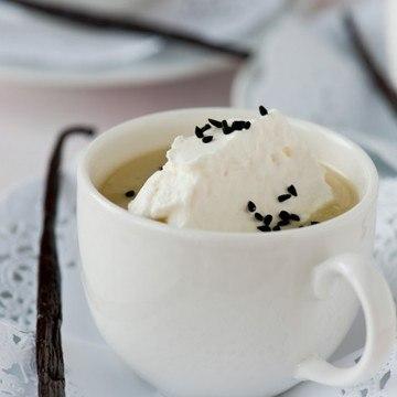 Rezept Schwarzwurzelcremesuppe mit Vanille-Sesam-Häubchen