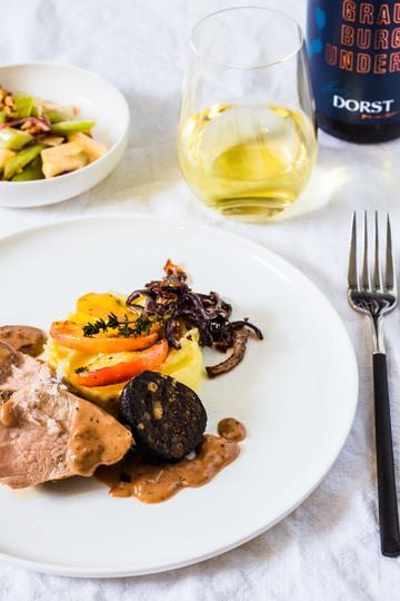 Rezept Schweinefilet mit Quitten-Senf Sauce, Blutwurst, Kartoffelpüree und Sellerie-Apfel-Salat