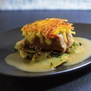 Rezept Schweinemedaillons im Kartoffelmantel auf Topinambur-Gemüse