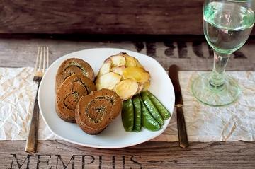Rezept Seitanbraten gerollt mit provenzalischer Kräuterfüllung