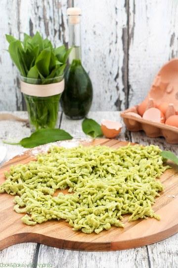Rezept Selbstgemachte Bärlauch-Spätzle mit Käsesoße