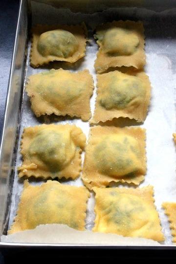Rezept Selbstgemachte Ravioli mit Ricotta und Spinat Fuellung