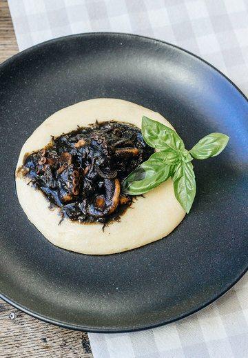 Rezept Seppie al nero con polenta
