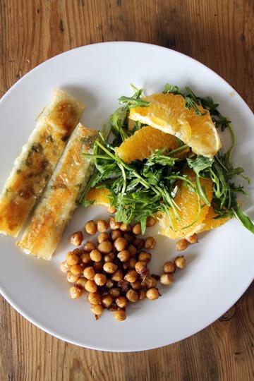 Rezept Sigara Börek mit Kichererbsen und Salat