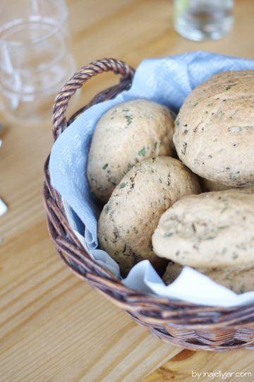 Rezept Slowcarb Dinkel-Kräuterbrötchen