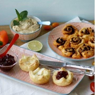 Rezept Snacks: Ziegenkäse-Tartelettes und Pesto-Schnecken