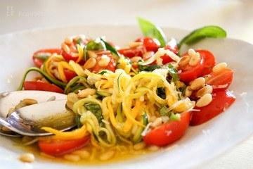 Rezept Sommer Zucchini-Nudelsalat