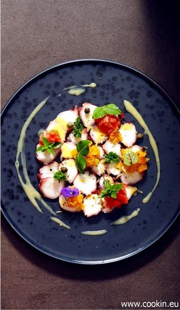 Rezept Sommerlich frisches Oktopus-Carpaccio mit Tomaten und Kapern