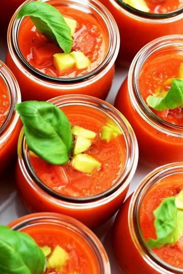 Rezept Sommerliche Gazpacho mit Wassermelone (vegan)