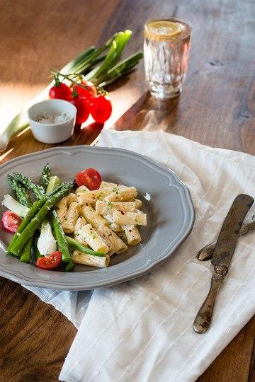 Rezept Sommerliche Pasta mit Spargel und Ziegenkäse