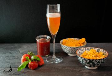 Rezept Sommerlicher Aperitif mit Erdbeeren und Basilikum