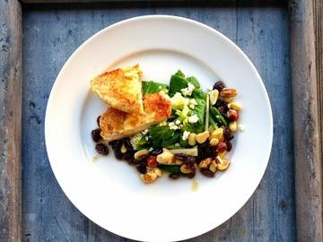Rezept Sommerlicher Feldsalat mit Studentenfutter-Dressing