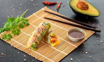 Rezept Sommerrollen mit Lachs, Mango & Avocado