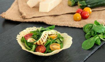Rezept Sommersalat in der Parmesanschale