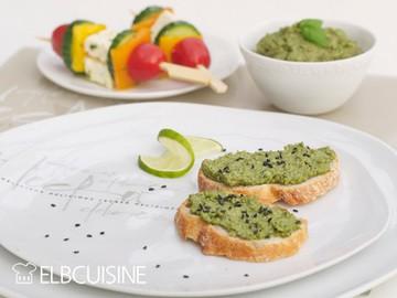 Rezept Sonnenblumenkern-Basilikum-Dip mit griechischen Spießen für einen zauberhaften Abend