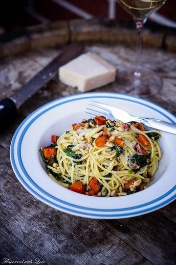 Rezept Spaghetti mit geröstetem Kürbis und Spinat