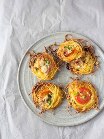 Rezept Spaghetti-Nester mit Blauschimmelkäse & Tomaten